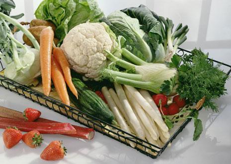 Können Obst und Gemüse mit Schale verzehrt werden?